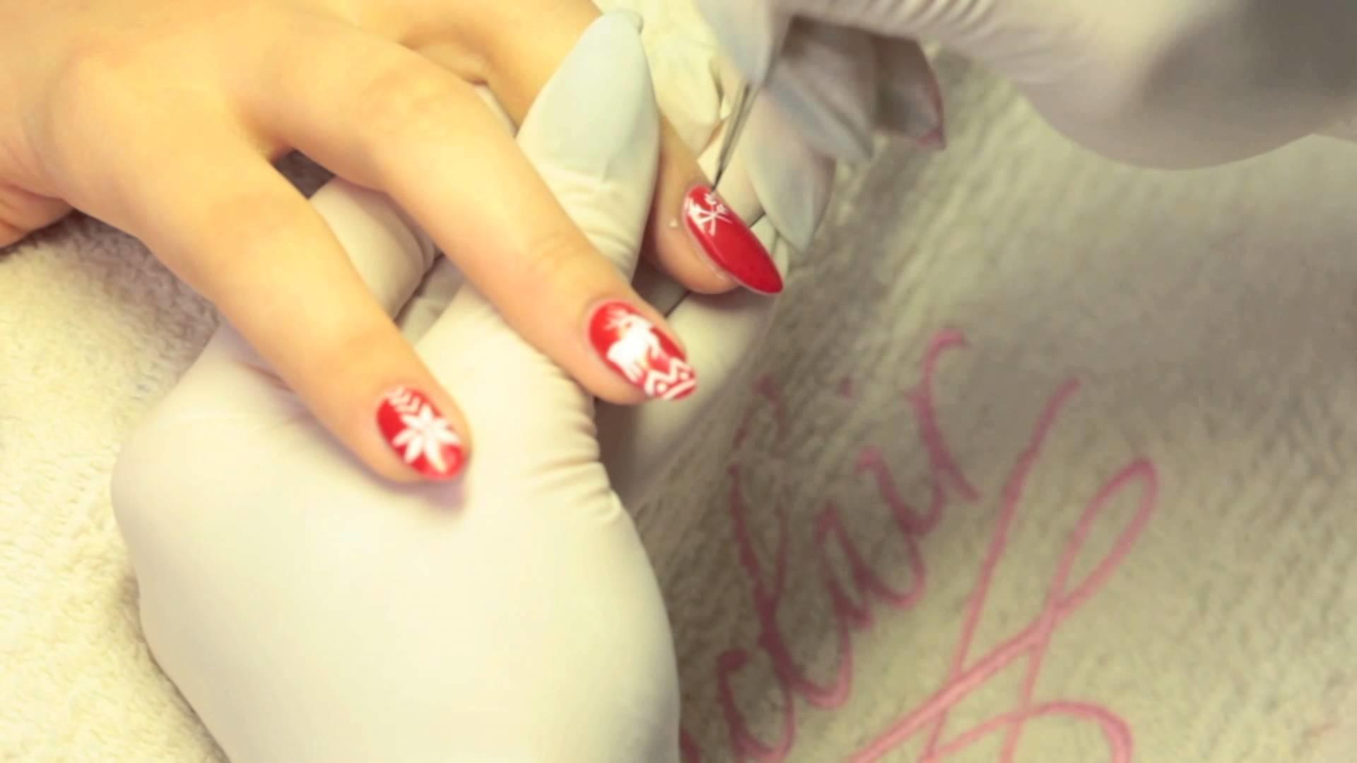 Świąteczny manicure. christmas nails