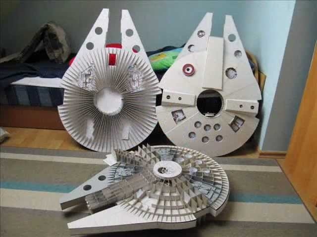 Falcon millenium paper model vol. 1