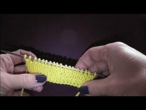Knitting Stricken - 1.Reihe: linke Maschen, 2.Reihe: rechte Maschen