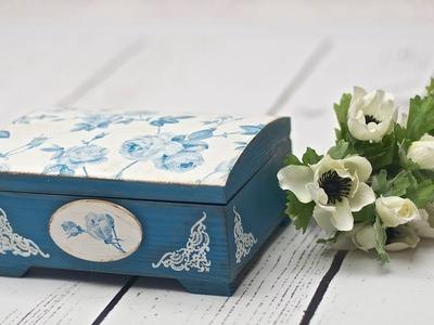 Decoupage krok po kroku - szkatułka w błękitnie różyczki