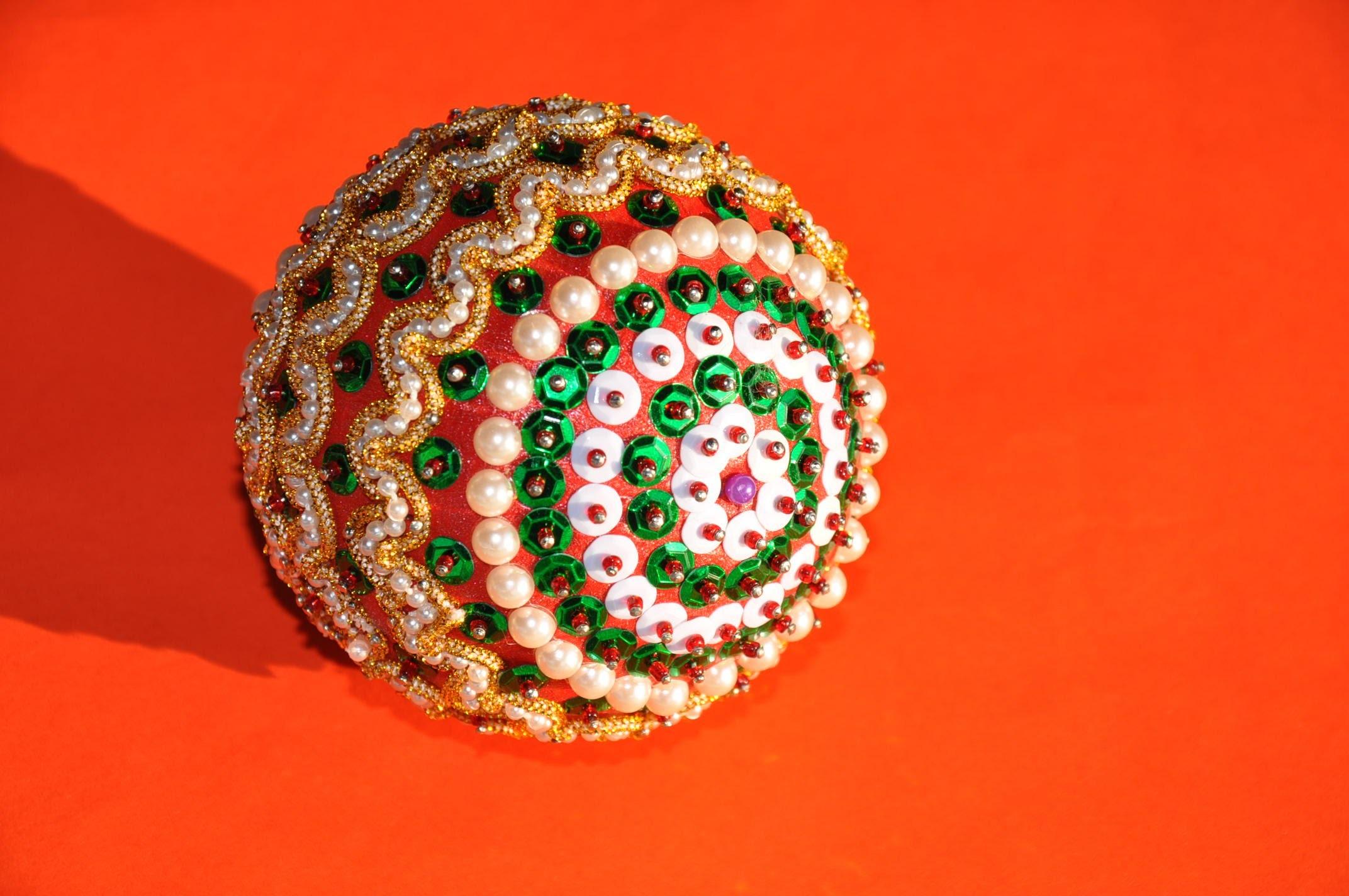 Bombka z taśmy. Christmas ornaments DIY