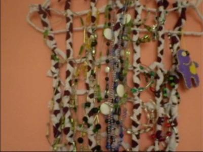 DIY (zrób to sama) - Wieszak na biżuterię