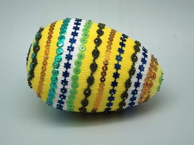 Pisanka z bibuły, cekinów i wstążek Easter Egg DIY