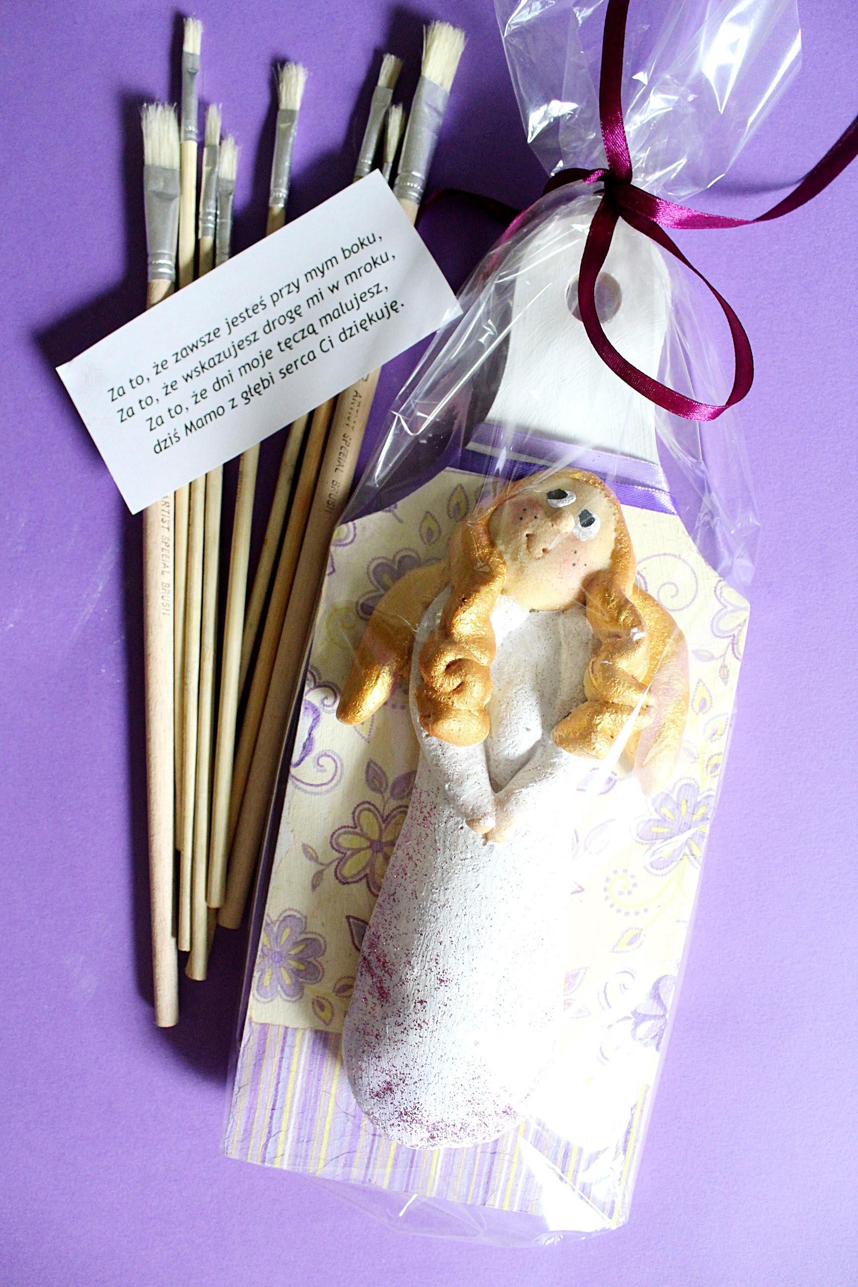 Dzień Matki, prezent aniołek DIY z masy solnej