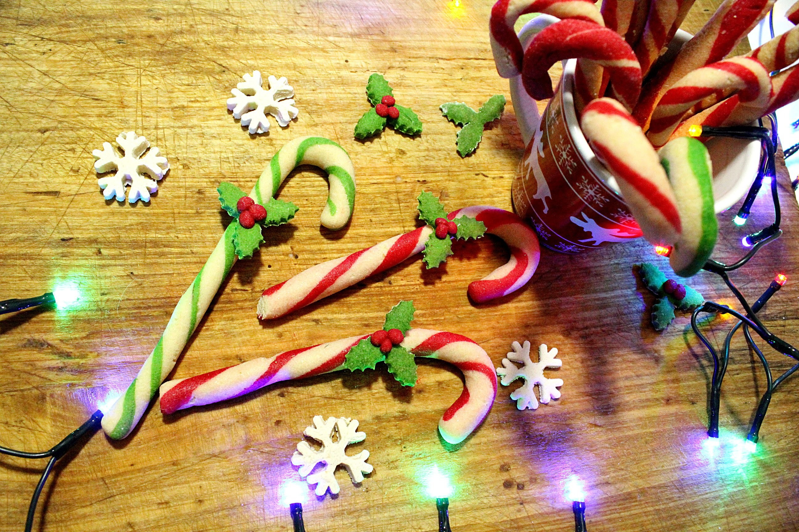 Świąteczne laski choinkowe z masy solnej. candy cane DIY