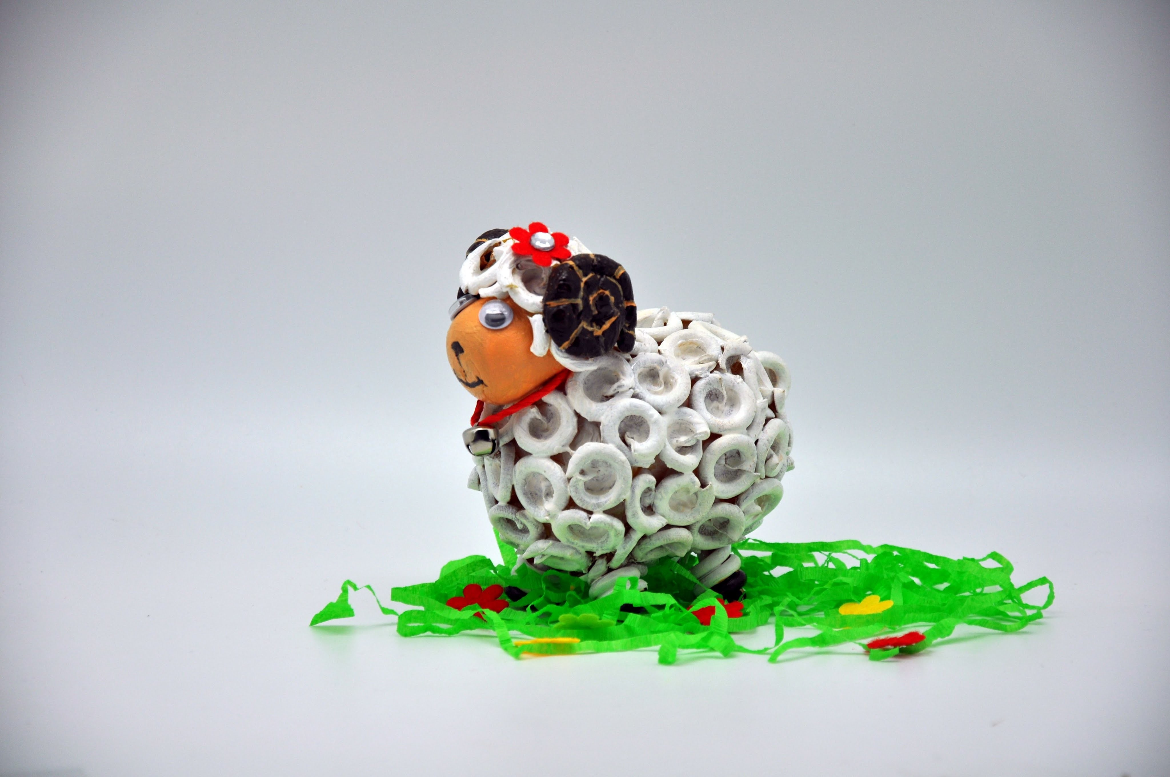 Jak zrobić baranka z jajek niespodzianek # Recycled   DIY crafts