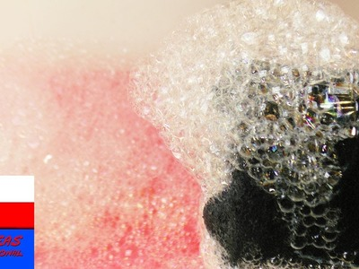 Bańki mydlane z butelki ze skarpetką | pomysł na zabawę w ogrodzie latem