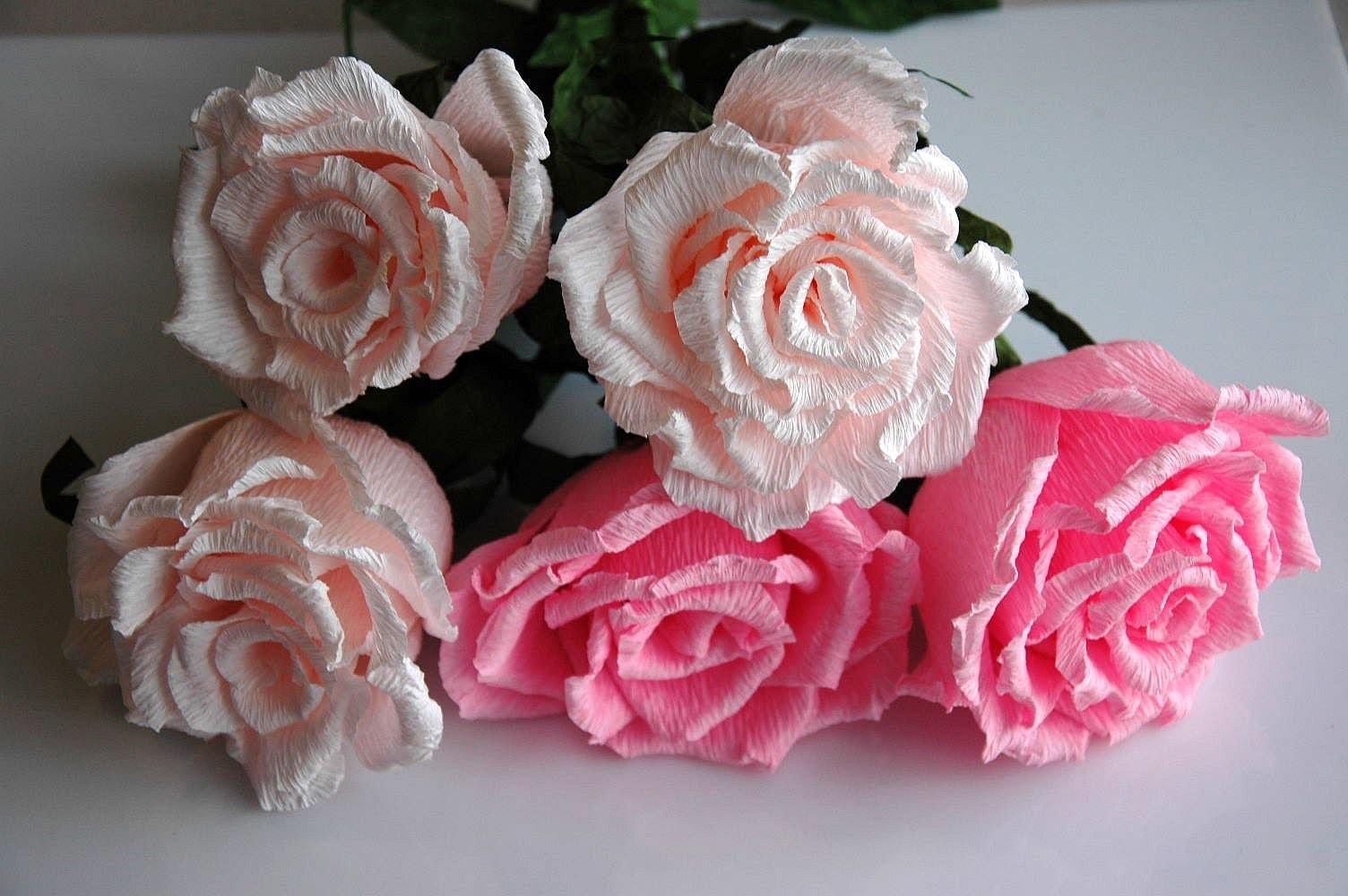 Róże z bibuły. Crepe paper flowers - roses  DIY
