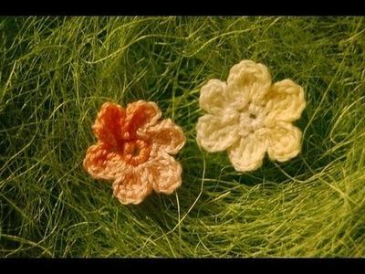 Małe kwiatki na szydełku
