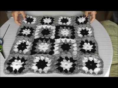 Patchworkowa poduszka na szydelku - laczenie kwadratow szydelkiem,  cz.  2 z 3
