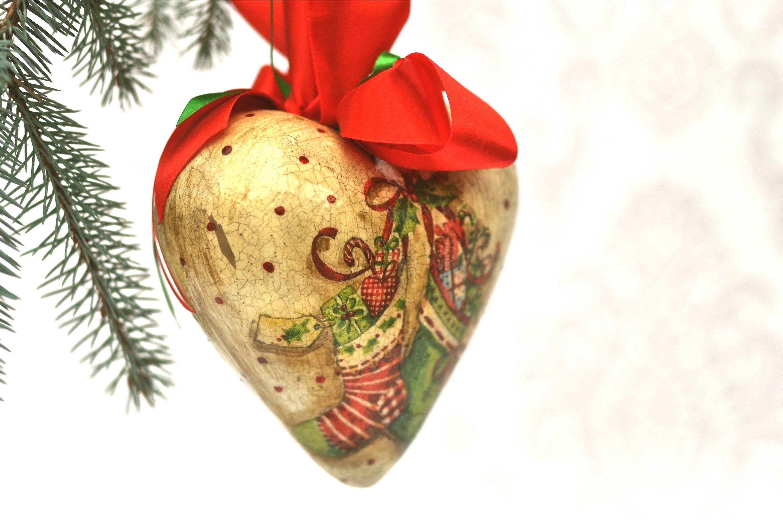 Decoupage krok po kroku - świąteczna bombka na Boże Narodzenie - serce
