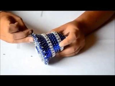 Instrukcja ozdobienia dzwonka styropianowego cekinami i dżetami samoprzylepnymi