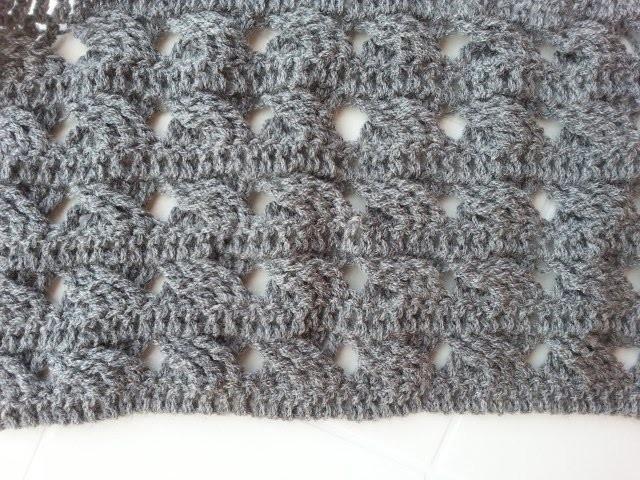 SZALIK DAMSKI ŚCIEG PRZYPOMINAJĄCY WARKOCZE, crochet cable scarf