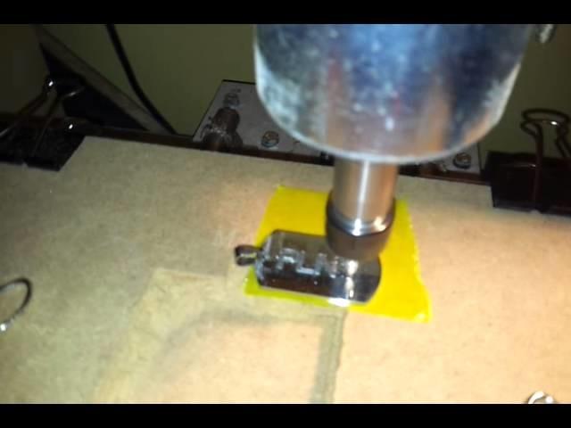 Grawerowanie niesmiertelnika na frezarce cnc - PLNY - engraving army pendant DIY