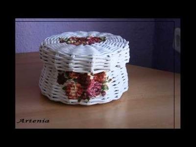 Plecionki z papierowej wikliny.