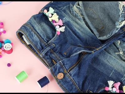 Szorty z frędzlami i pomponikami DIY - pomysł na przeróbkę jeansów