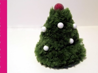 Choinka z pomponów (Christmas tree with pompoms, DIY)