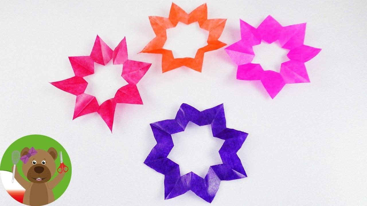 Wycinanie światecznych gwiazd z bibuły   bożonarodzeniowa dekoracja okienna