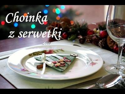 Choinka z serwetki, jak złożyć serwetkę w choinkę, dekoracja stołu, święta Bożego Narodzenia.