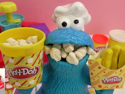 Play Doh Ciasteczkowy Potwór obżera się popcornem z ciastoliny