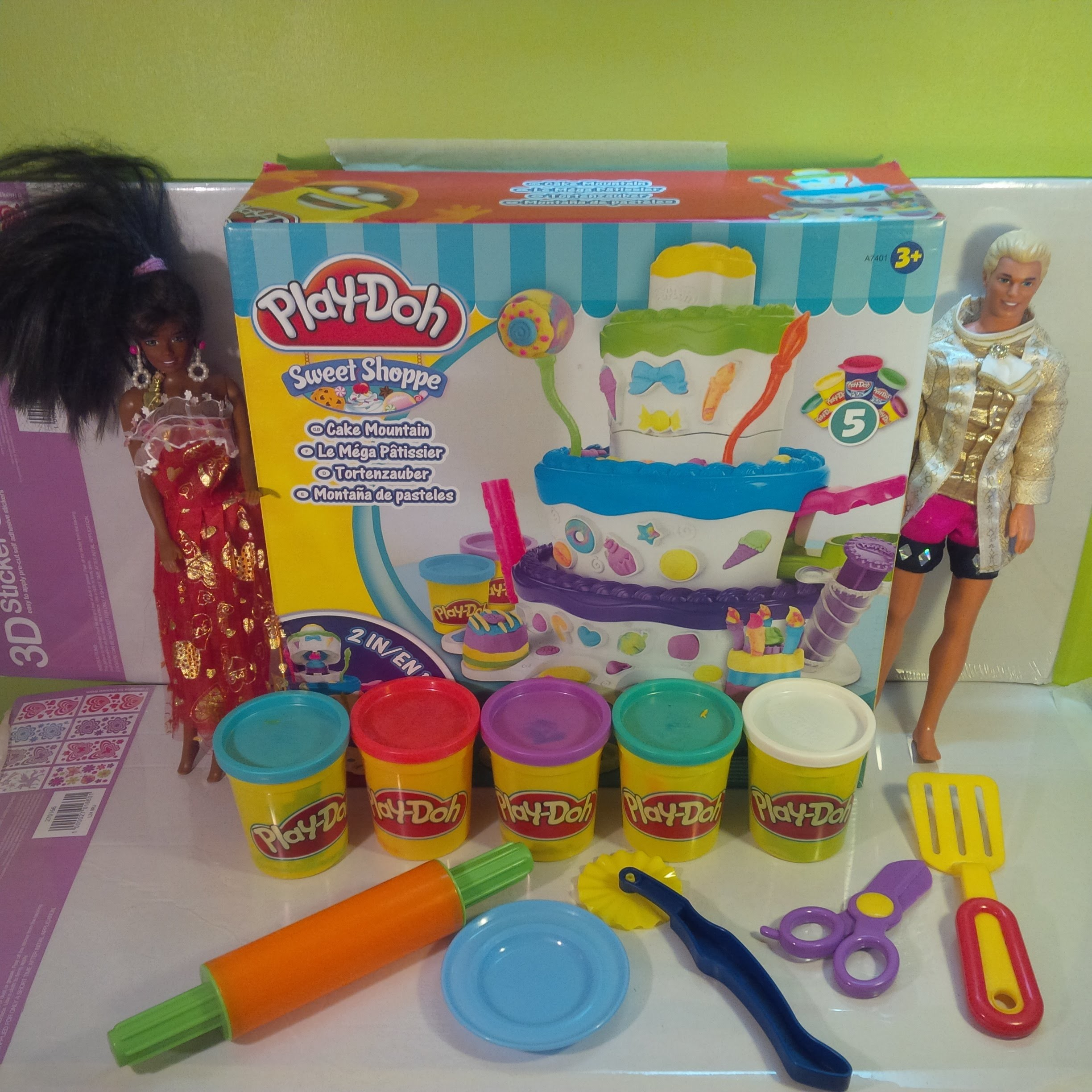 Play-Doh Sweet Shoppe Birthday Cake Mountain unboxing